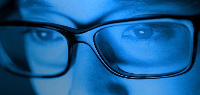 """Október a látás hónapja – Védekezés a kék fény ellen"""""""